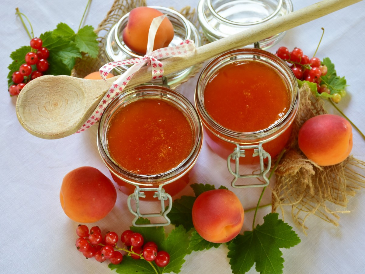 Jigsaw Puzzle Solve jigsaw puzzles online - Apricot jam