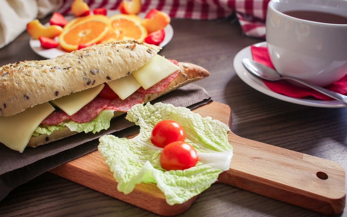 Jigsaw Puzzle Sandwich and tomatoes