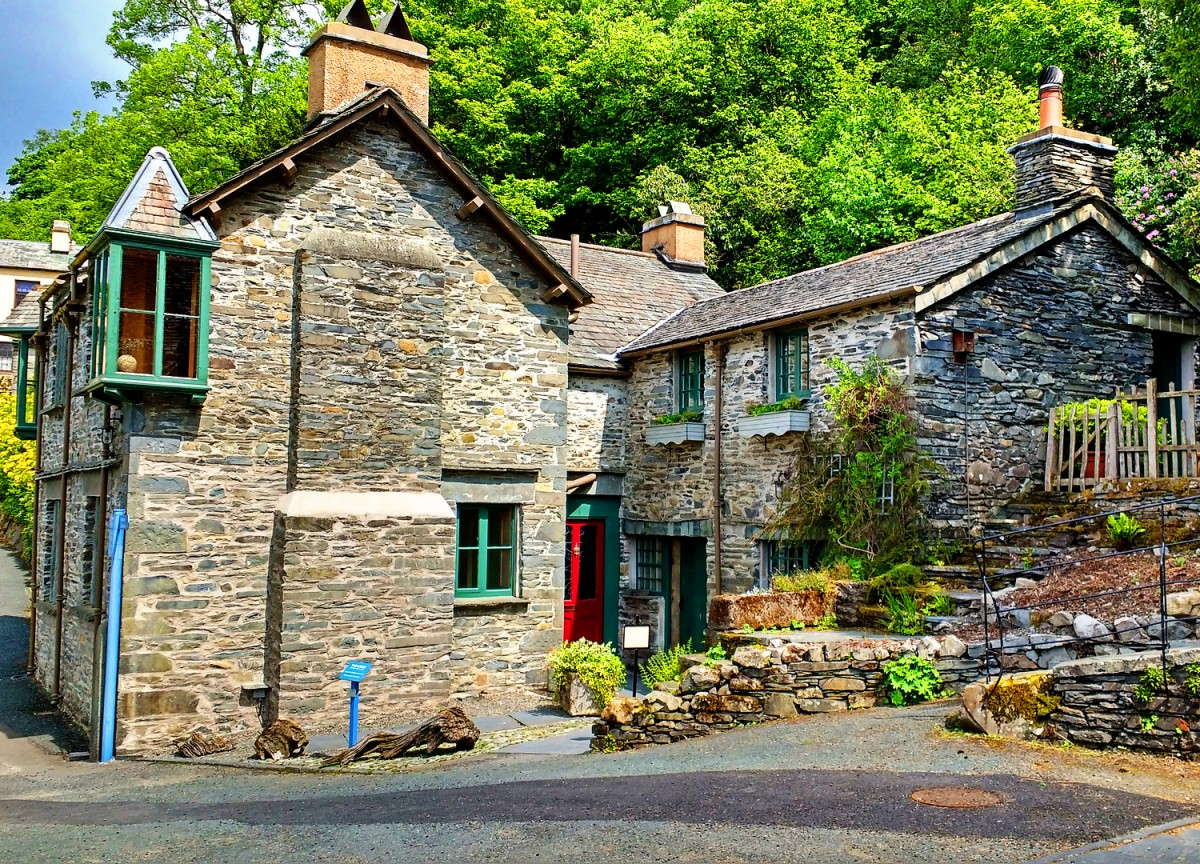 Jigsaw Puzzle Solve jigsaw puzzles online - Village house