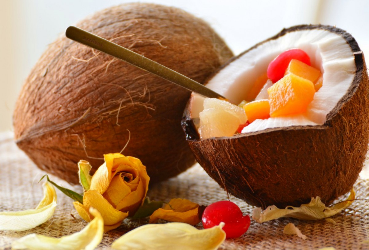 Jigsaw Puzzle Solve jigsaw puzzles online - The fruit in the coconut