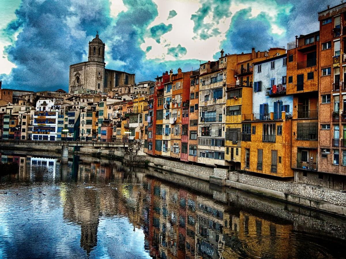 Jigsaw Puzzle Solve jigsaw puzzles online - Girona Spain