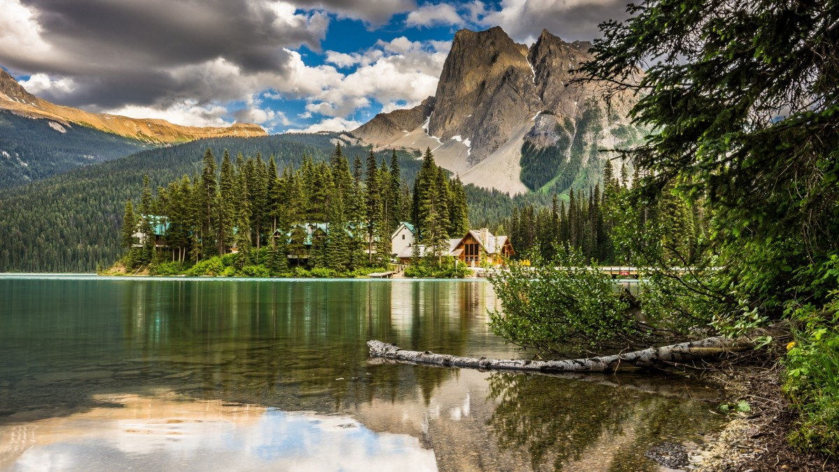 Jigsaw Puzzle Solve jigsaw puzzles online - Emerald lake