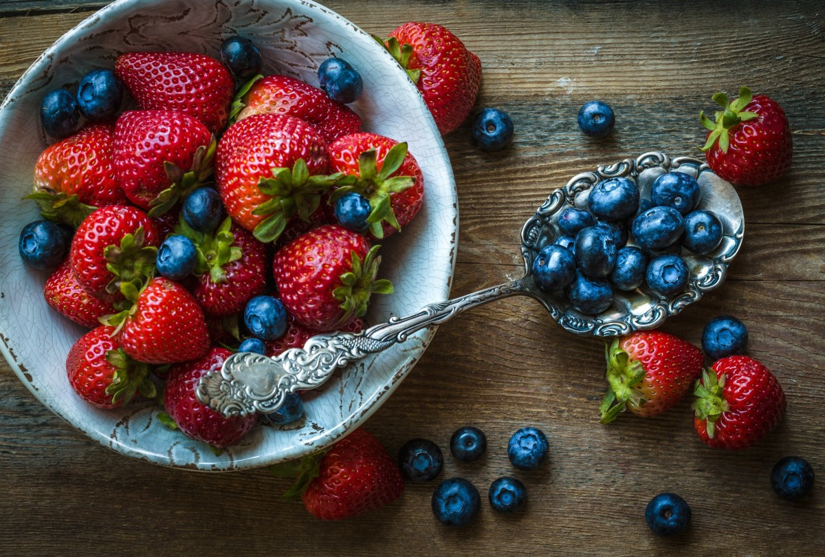 Jigsaw Puzzle Solve jigsaw puzzles online - Strawberries and blueberries
