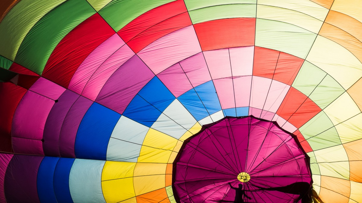 Jigsaw Puzzle Solve jigsaw puzzles online - The dome of a parachute