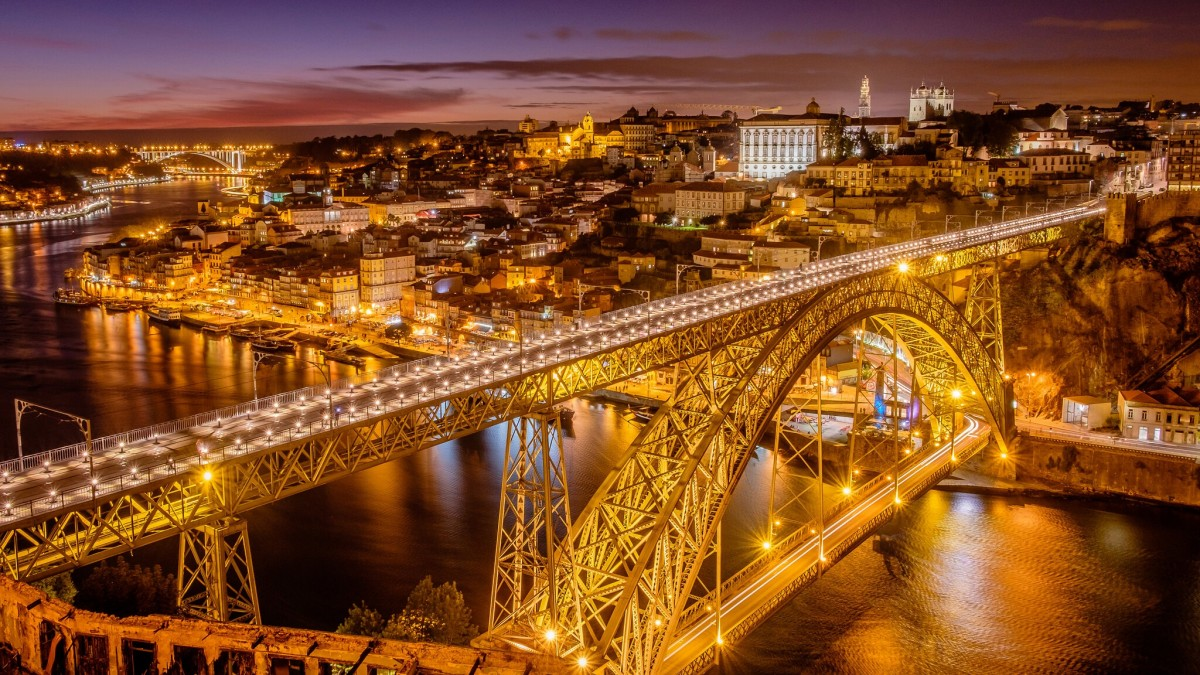 Jigsaw Puzzle Solve jigsaw puzzles online - The bridge in Portugal