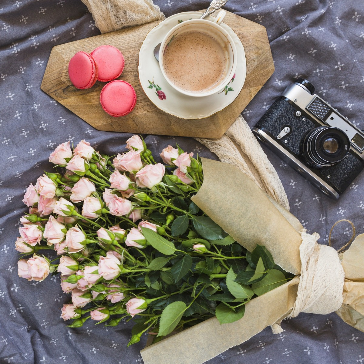 Jigsaw Puzzle Solve jigsaw puzzles online - Still life with camera