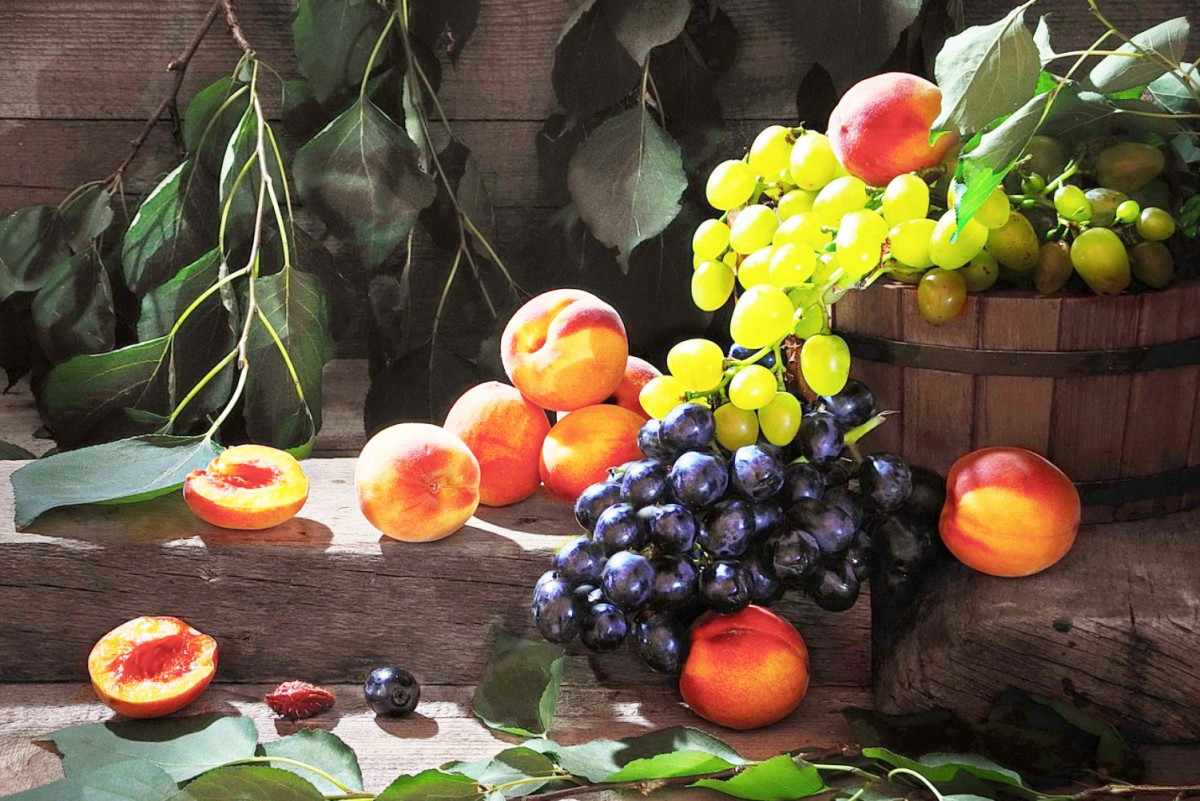 Jigsaw Puzzle Solve jigsaw puzzles online - Peaches and grapes