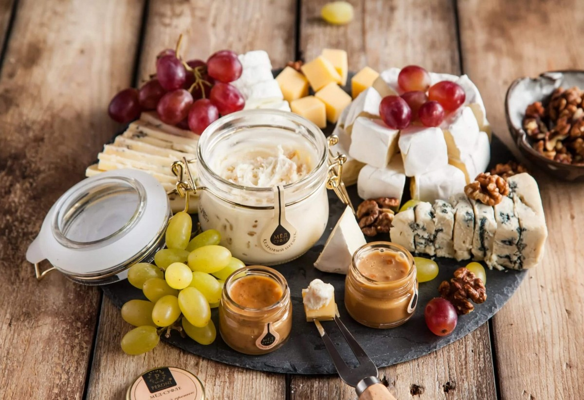 Jigsaw Puzzle Cheese and honey