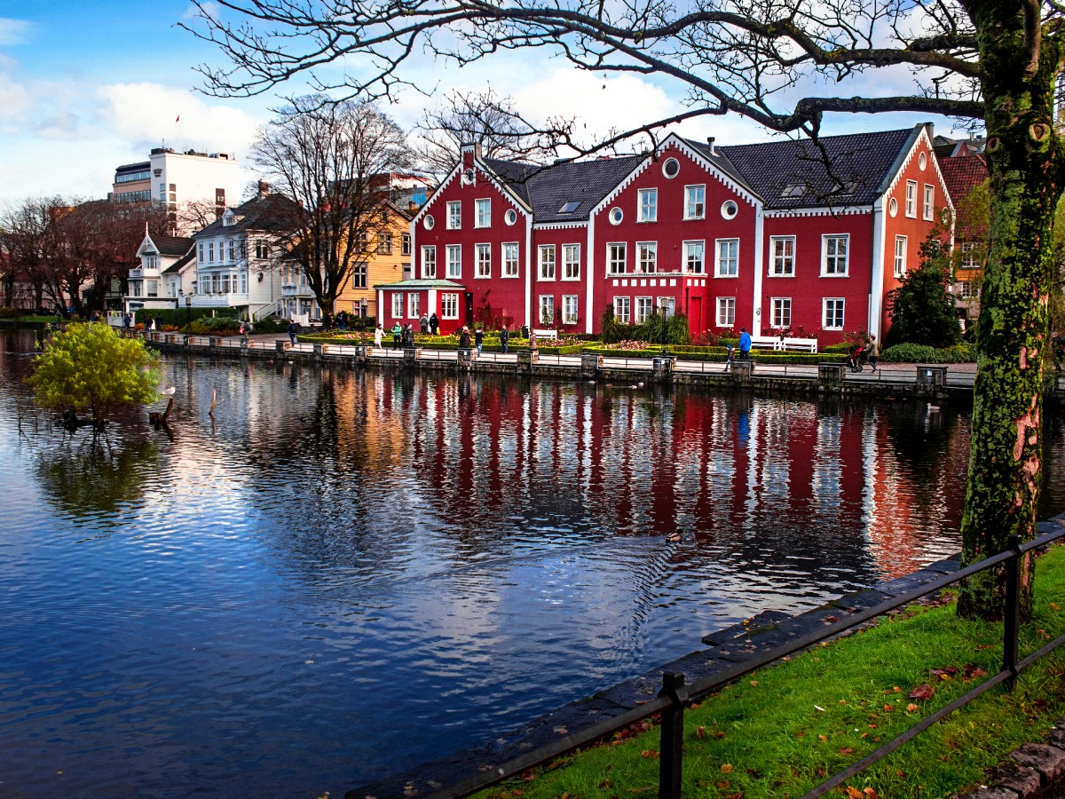 Jigsaw Puzzle Solve jigsaw puzzles online - Stavanger Norway