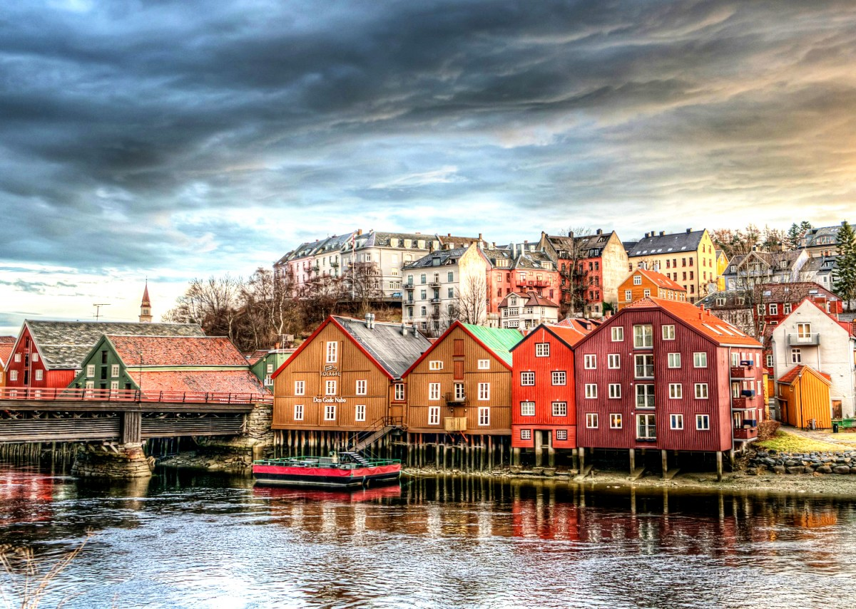 Jigsaw Puzzle Solve jigsaw puzzles online - Trondheim Norway