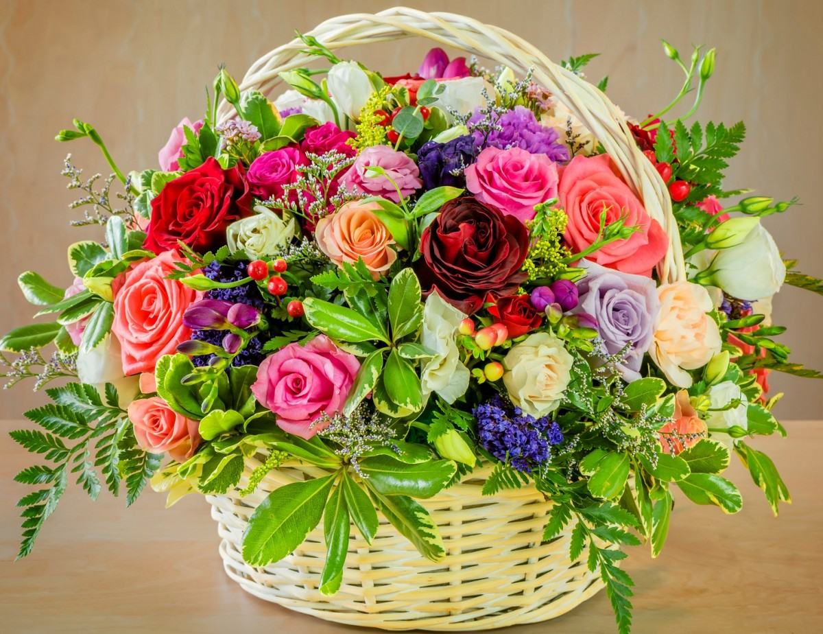 Jigsaw Puzzle Solve jigsaw puzzles online - Flowers in a basket