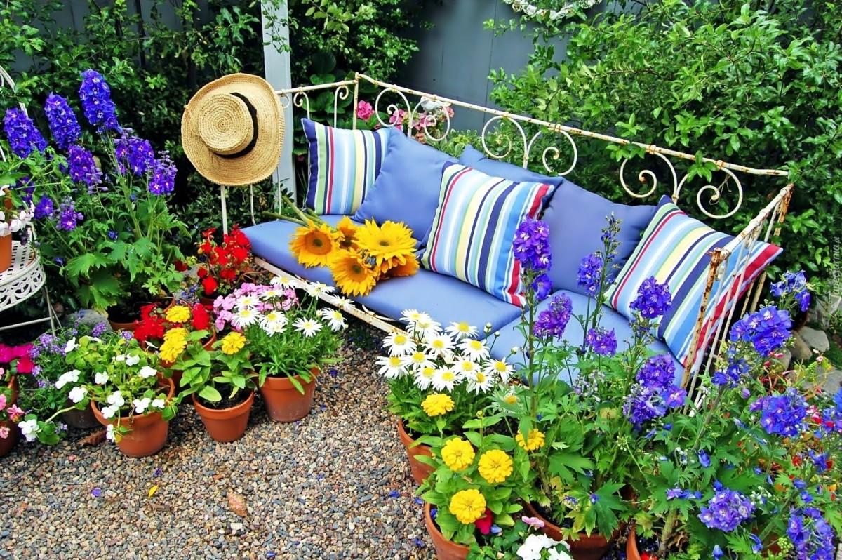 Jigsaw Puzzle Flower garden at sofa