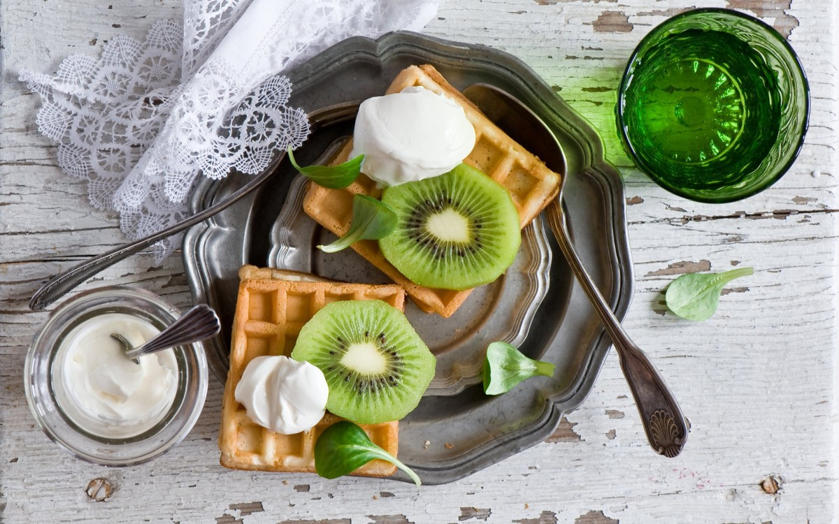 Jigsaw Puzzle Solve jigsaw puzzles online - Viennese waffles and kiwi