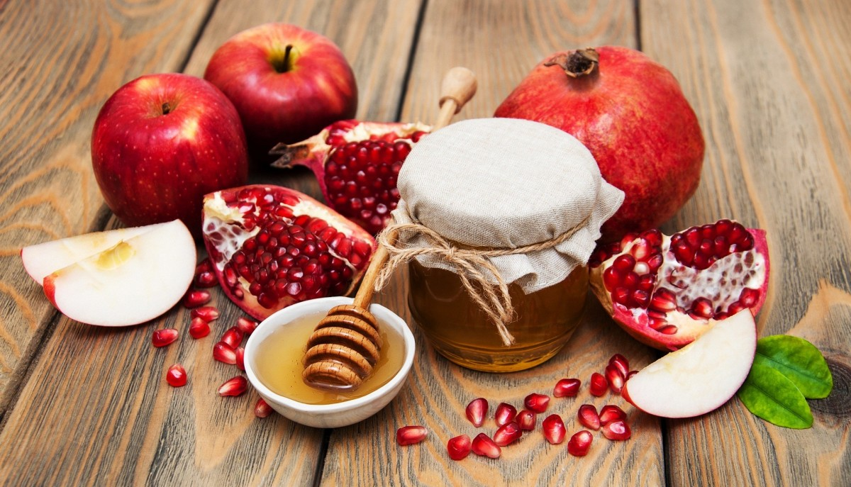 Jigsaw Puzzle Solve jigsaw puzzles online - Apples and pomegranates