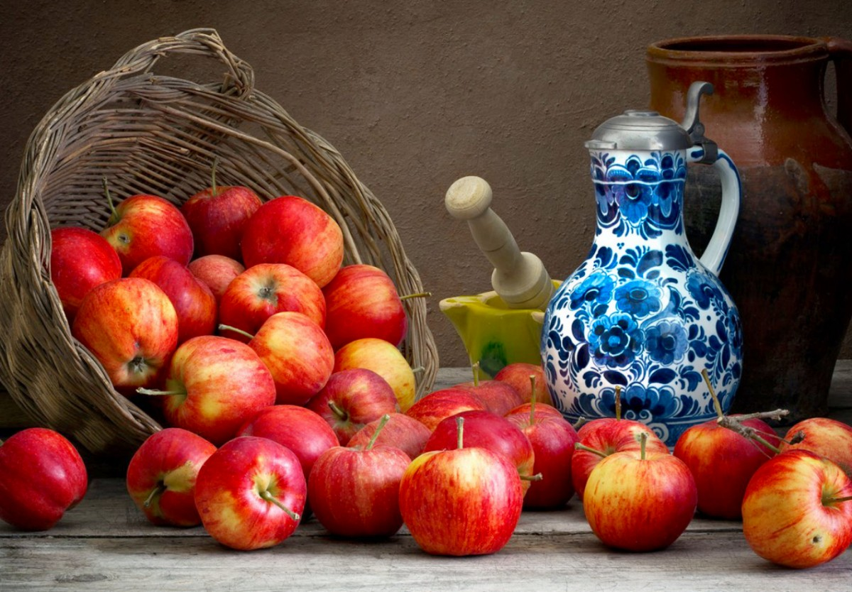 Jigsaw Puzzle Solve jigsaw puzzles online - Apples and pitcher