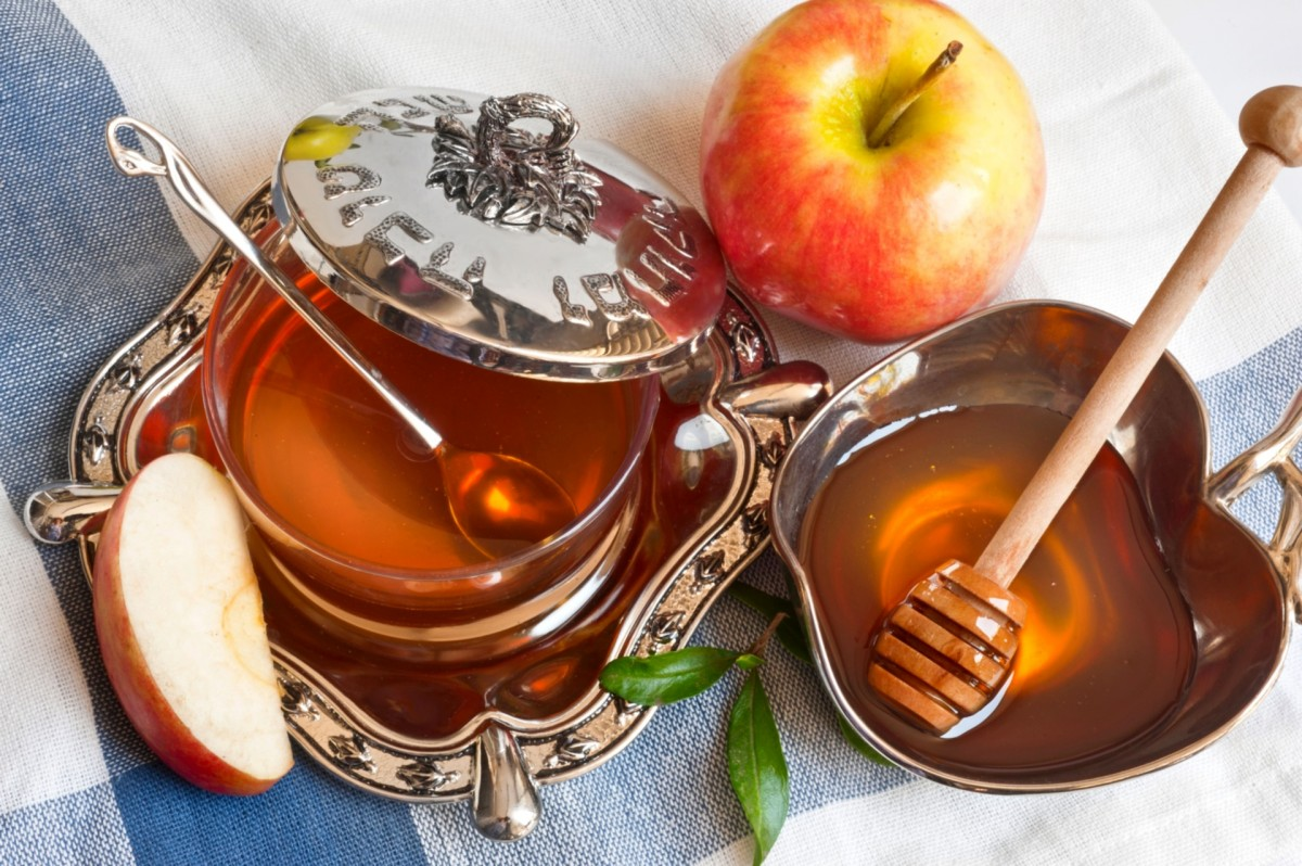 Jigsaw Puzzle Pears with a teapot