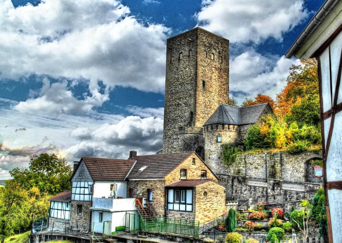 Jigsaw Puzzle Solve jigsaw puzzles online - Castle Blankenstein
