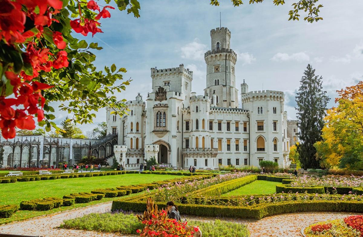 Jigsaw Puzzle Solve jigsaw puzzles online - Castle in the Czech Republic