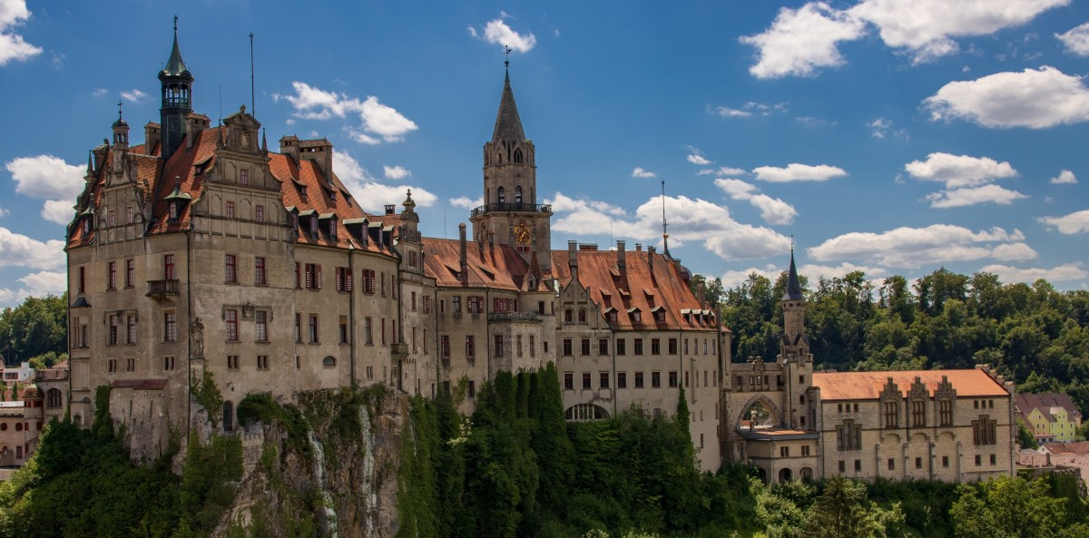 Jigsaw Puzzle Solve jigsaw puzzles online - Castle in Germany