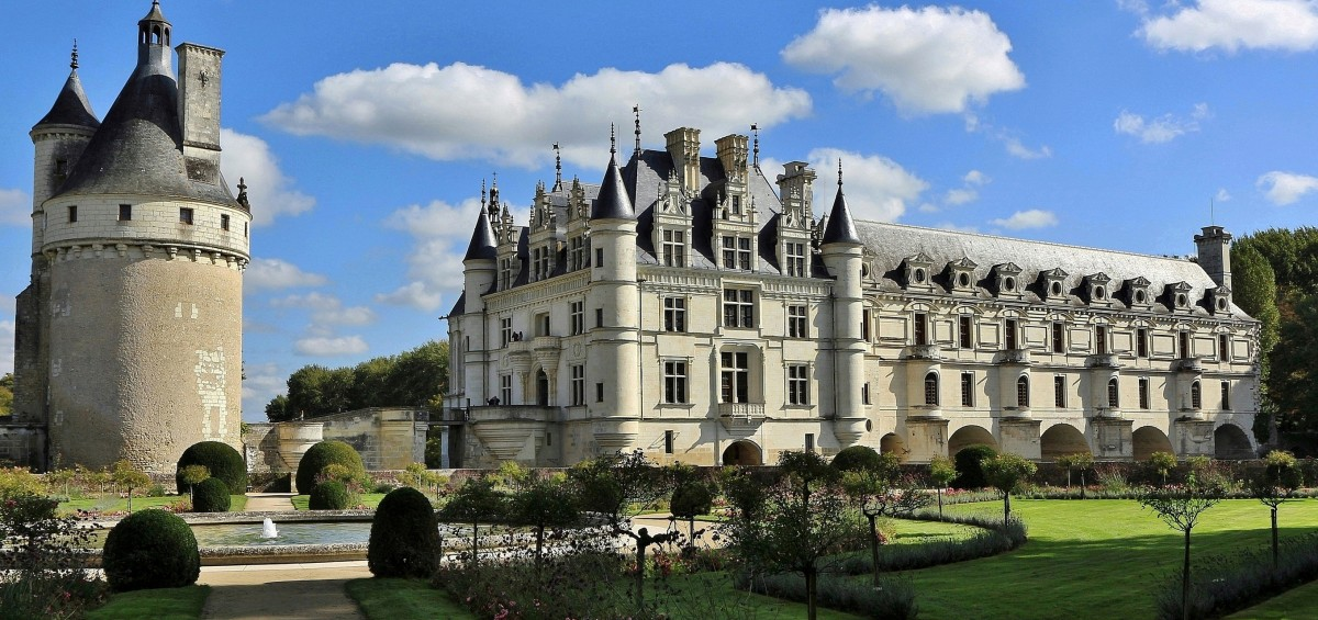 Jigsaw Puzzle Solve jigsaw puzzles online - Castle in France