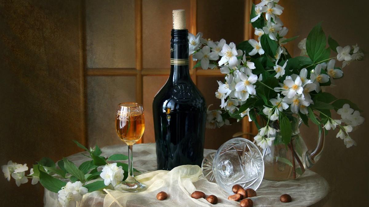 Jigsaw Puzzle Solve jigsaw puzzles online - Jasmine and wine