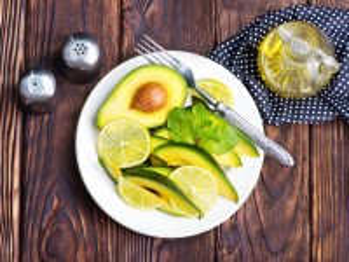 Собирать пазл Avocado and lemon онлайн