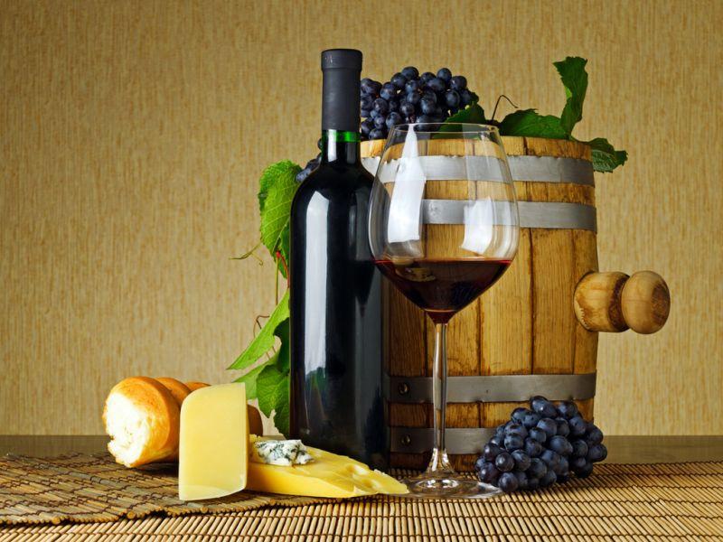 Jigsaw Puzzle Solve jigsaw puzzles online - bochonok s vinom