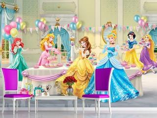 Собирать пазл A Princess tea party онлайн