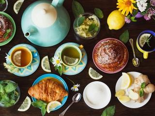 Собирать пазл Tea for two онлайн
