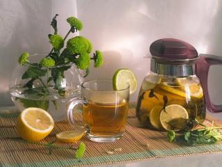 Собирать пазл Tea with lemon онлайн