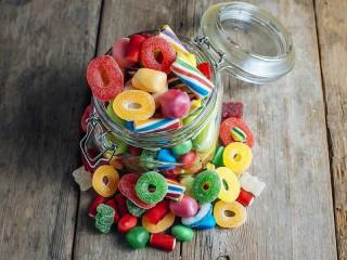 Собирать пазл Colorful Candies онлайн
