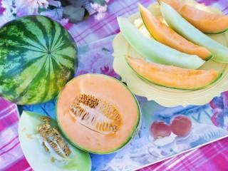 Собирать пазл Melons and water-melon онлайн