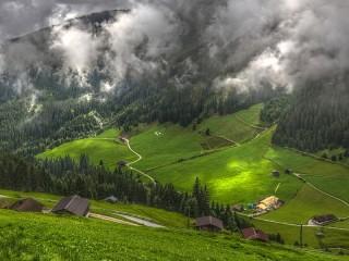 Собирать пазл Zillertal valley онлайн