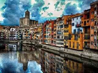 Собирать пазл Girona Spain онлайн