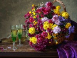 Собирать пазл Chrysanthemums and glasses онлайн