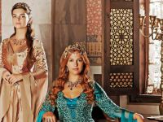 Собирать пазл Hyurrem Sultan онлайн