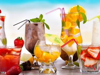 Собирать пазл Cocktails онлайн