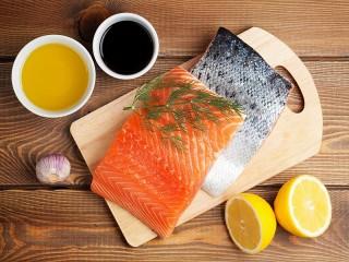 Собирать пазл Red fish and lemon онлайн
