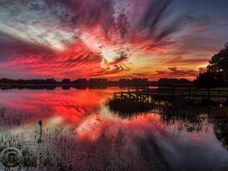 Собирать пазл Red sunset онлайн