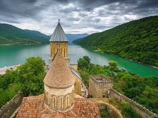 Собирать пазл Ananuri Fortress онлайн