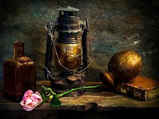 Собирать пазл Lamp and rose онлайн