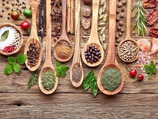 Собирать пазл Spoons with spices онлайн