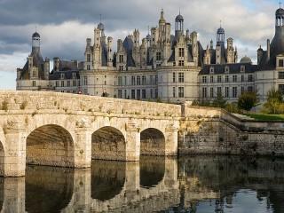 Собирать пазл The bridge and the castle онлайн