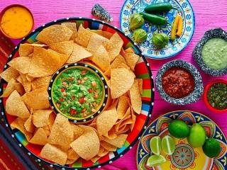 Собирать пазл Nachos with guacamole онлайн
