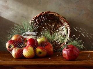 Собирать пазл Still life with apples онлайн