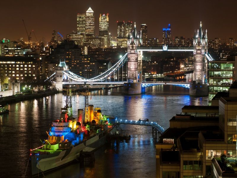 Jigsaw Puzzle Solve jigsaw puzzles online - Night London