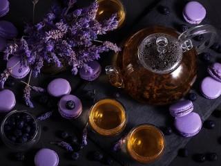 Собирать пазл Shades of lavender онлайн