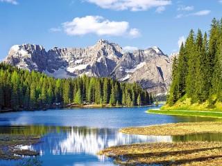 Собирать пазл Lake Misurina онлайн