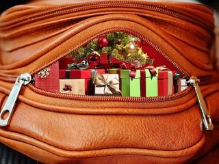 Собирать пазл Holiday purse онлайн