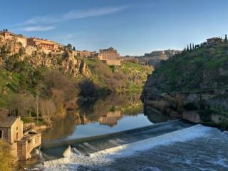 Собирать пазл River dam home онлайн